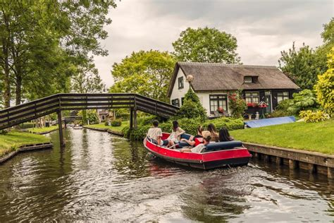 boat tour giethoorn giethoorn trip from amsterdam introducing amsterdam