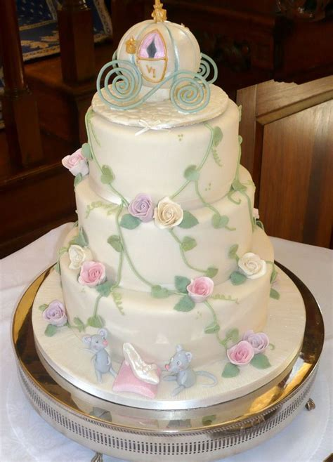 pictures of simple floral decorated cakes   Wedding Cake