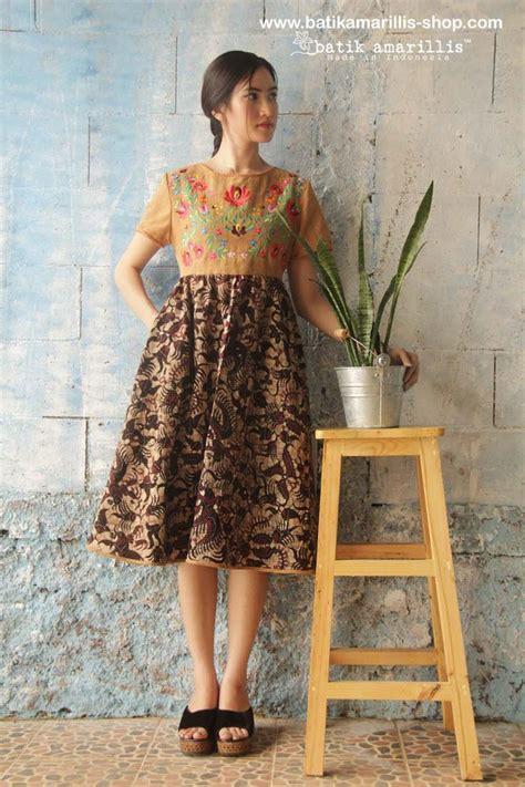Dress Batik Muslim 43 best batik amarillis s dress images on indonesia kebaya and kebayas