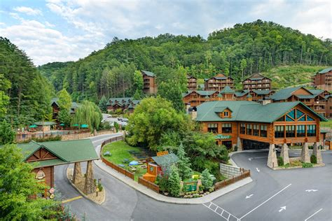 2 Bedroom Suites In Williamsburg Va westgate smoky mountain resort amp spa tennessee area hotels
