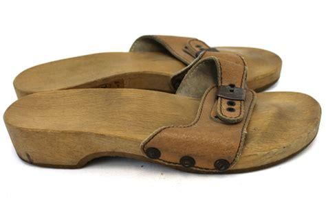 andales dog house dr scholls original wooden sandals 28 images dr scholl