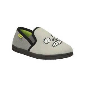 clarks movello rise jnr boy s bedroom slippers shoes by mail clarks movello rise jnr boy s bedroom slippers shoes by mail