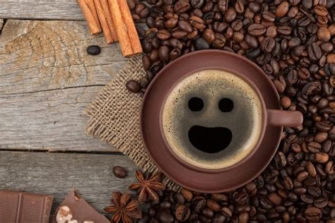 8 Ways to Get Daily Language Practice on Your Coffee Break