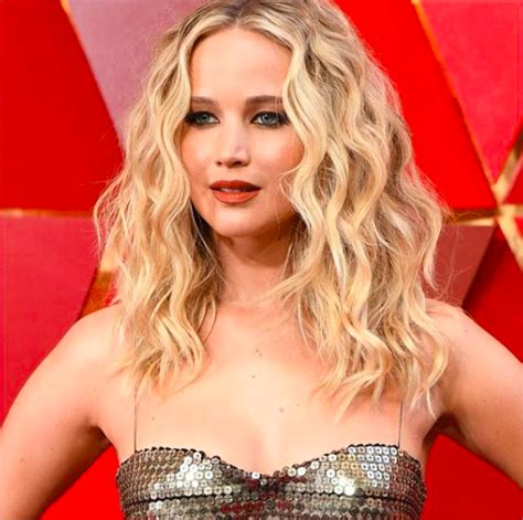 Jennifer Lawrence With Curling Iron | mane addicts celebrity hairstylists archives mane addicts