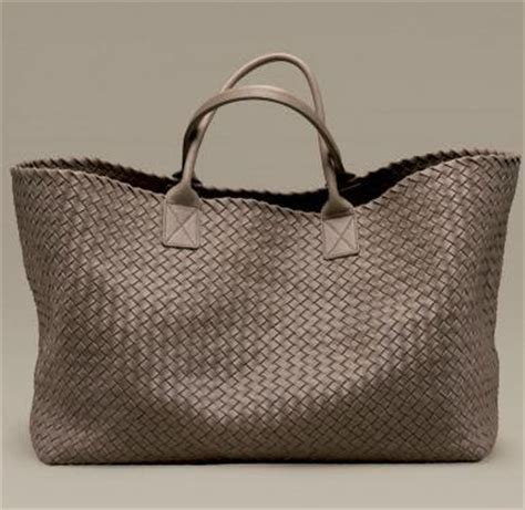 Bottega Veneta Cabat Uomo by High Low Fashion