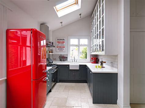 vinyl flooring uk kitchen thefloors co kitchen trends luxury vinyl flooring vs tile