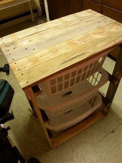 Pallet Laundry Basket Holder Pallet Furniture Diy Wooden Laundry Plans