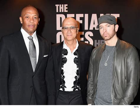 eminem beard eminem shows off new beard with dr dre and kendrick lamar