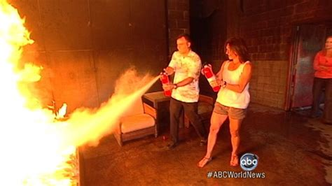 How To Extinguish A Fireplace by How To Use A Extinguisher Do S And Don Ts
