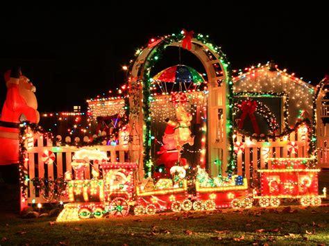 decorarte jardim canada stunning outdoor christmas displays hgtv