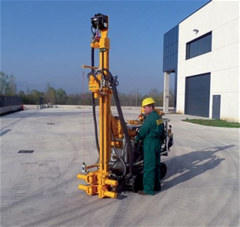 construction foundation drilling and piling machine