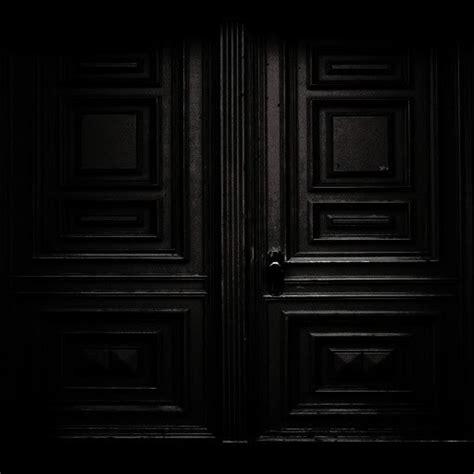 187 black 171 black doorway black black door