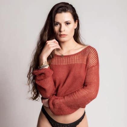 alyssarenee__, model, morgan hill, california, us