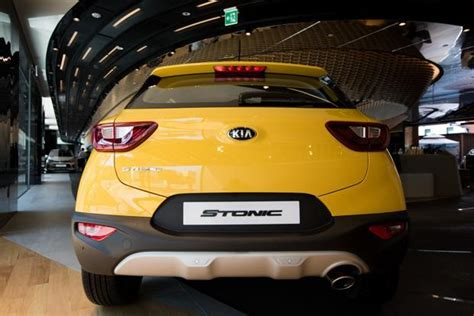 Kia Motors Showroom In India Kia Motors Firms Up Sales Strategy Ahead Of India Launch