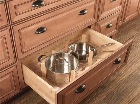 Kitchen Base Cabinets With Drawers by Choosing Kitchen Cabinets Hgtv