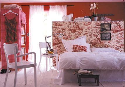 weihnachtsstern im schlafzimmer einrichten mit rot rot im schlafzimmer ist gewagt bild