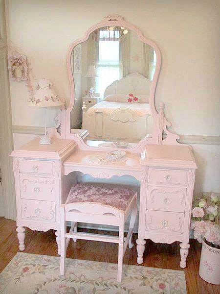 Pink Vanity by 25 Best Ideas About Pink Vanity On