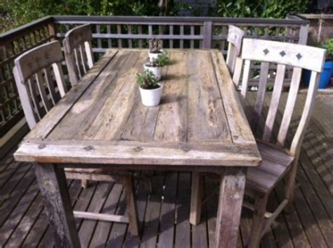 Rustic Patio Tables 57 Cozy Rustic Patio Designs Digsdigs