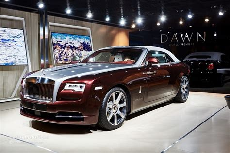 roll royce maroon omg this 2017 rolls royce will knock you out