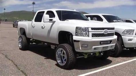lifted white white chevy trucks jacked up www pixshark com images