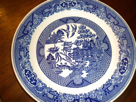 china pattern blue willow tea at trianon the history of blue willow china