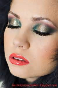 holiday christmas makeup look lipstick on your pillow