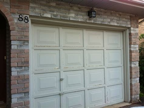 need help picking paint colour for front door entrance plus garage doo