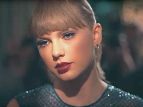 taylor swift delicate music video lyrics taylor swift pays tribute to joe alwyn in delicate music