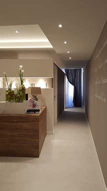 mobili per centri estetici arredamento per centri estetici mantova azzini arredamenti