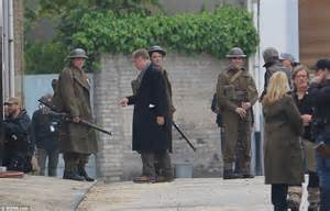film dunkirk cast list soldiers and warships line the beach to film harry styles