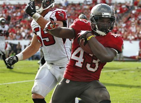 Rainey Likely To Start Over Martin For Buccaneers Thursday Ta Bay Buccaneers Adam Gaine