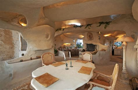 dick clark s flintstone house dwellers without decorators dick clark s man cave 3