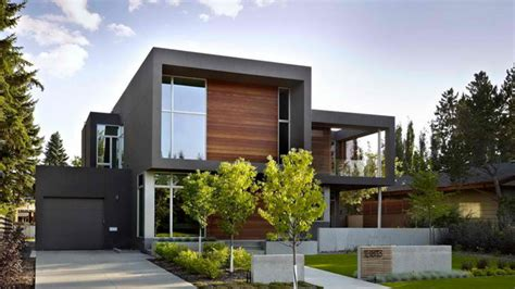 18 Attached Garages in a Modern Inspired Home Design