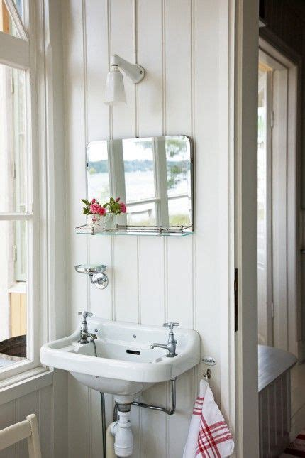 Cottage Bathroom Mirror Best 25 Cottage Bathroom Mirrors Ideas Only On Pinterest Cottage Framed Mirrors Cottage