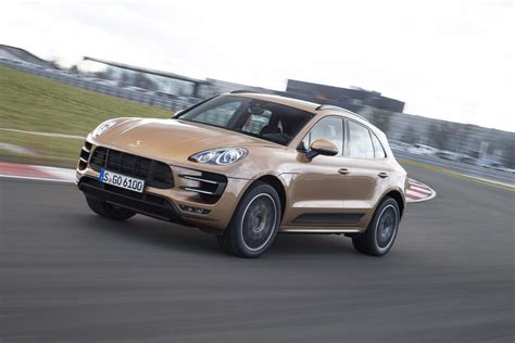 2015 porsche macan turbo 2015 porsche macan turbo front three quarter in motion