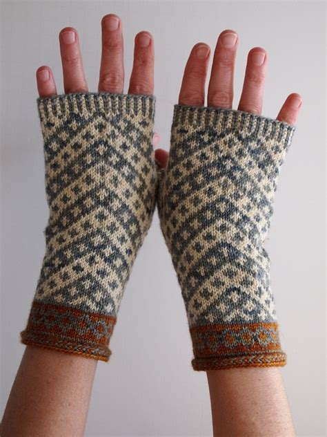glove pattern grading 25 unique fingerless mittens ideas on pinterest