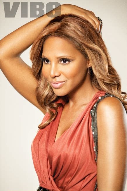 first look see the actress playing toni braxton in her v snapshot toni braxton strikes a pose
