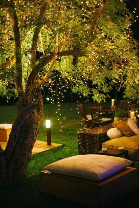 17 Diy Ways To Use Fairy Lights In Your Decor Tiphero Small Outdoor Trees With Lights