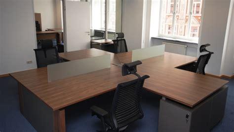 Deutsche Bank Help Desk by Deutsche Bank Linstram