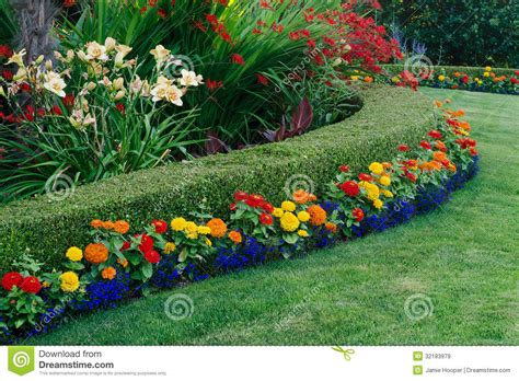 Small back garden on Pinterest   Landscaping, Gardens and