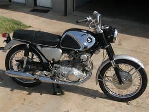 Honda 305 Superhawk 1964 Honda 305 Superhawk
