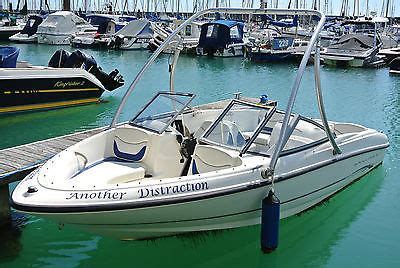bowrider speed boats for sale uk bayliner 175 speed boat bowrider lying in brighton marina