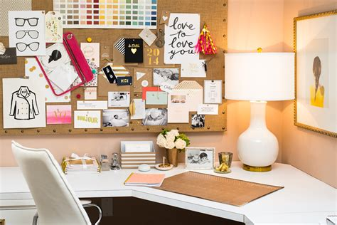 Office Desk Decoration Themes Enchanting 50 Chic Office Desk Decorating Design Of Best 20 Chic Desk Ideas On Pinterest