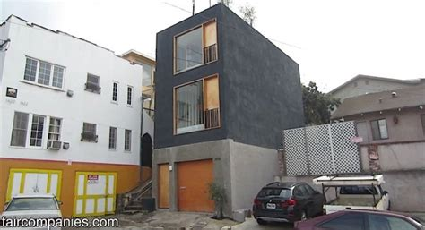 the skinny house skinny small house in la with recessed kitchen and solid
