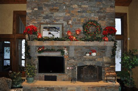 images of christmas fireplaces