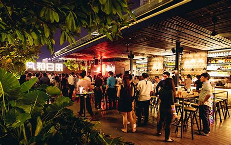 roof top bar singapore the 10 most unique bars in singapore tallypress