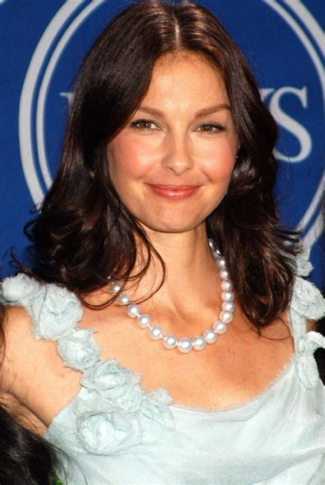 ashley judd bra size age weight height measurements celebrity ashley judd weight height measurements bra size hot