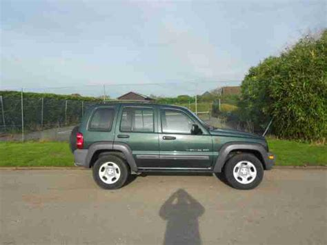 jeep cherokee sport green jeep 2002 cherokee sport green 2 5 car for sale