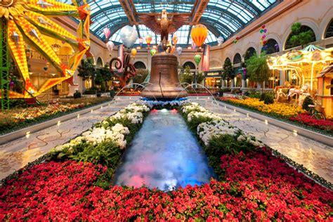 Bellagio Botanical Gardens Bellagio S Conservatory And Botanical Gardens Review Exploring Las Vegas