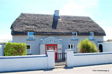 traditional thatched cottages kilmore quay wexford